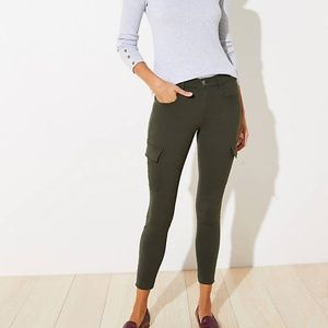 LOFT Women's NWT 5 Pocket Sateen Cargo Leggings
